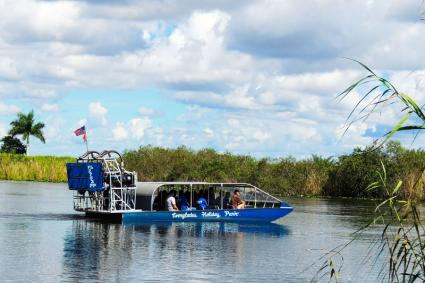 Airboat wildlife tour; © Cramosxp | Dreamstime.com