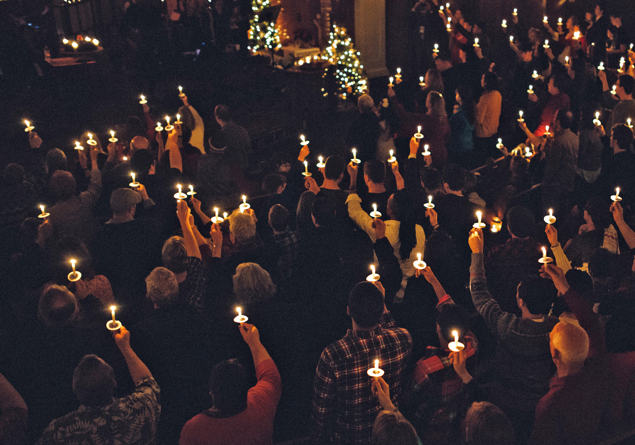 Christmas Candlelight Services Near Me 2020 How Do I Plan a Christmas Eve Candlelight Service? | LoveToKnow