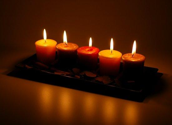 https://cf.ltkcdn.net/candles/images/slide/107126-551x400-candlecenter3.jpg