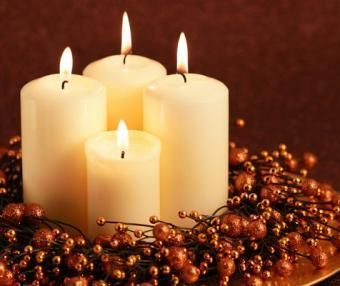 https://cf.ltkcdn.net/candles/images/slide/107180-476x400-cheapring4.jpg