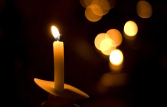 Ideas for a Candlelight Memorial Service