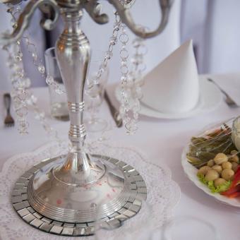 https://cf.ltkcdn.net/candles/images/slide/249129-850x850-7-ideas-glass-mosaic-candle-holders.jpg