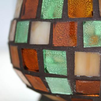 https://cf.ltkcdn.net/candles/images/slide/249134-850x850-2-ideas-glass-mosaic-candle-holders.jpg