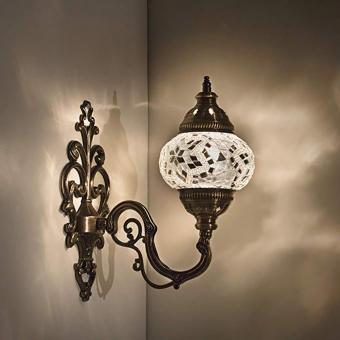 https://cf.ltkcdn.net/candles/images/slide/249136-850x850-4-ideas-glass-mosaic-candle-holders.jpg