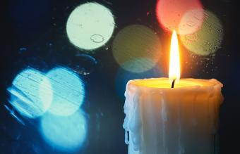 Candle In the Window Traditions & Their Hidden Meanings