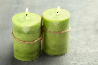 Green Candle Meanings for Luck, Earth & Abundance