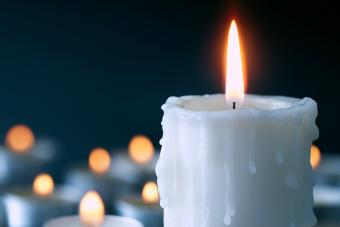 Tapping Into a White Candle's Spiritual Meaning