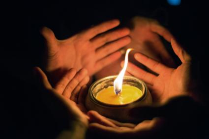 How to Interpret Candle Flame Meanings | LoveToKnow