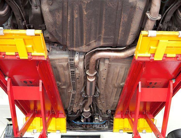 https://cf.ltkcdn.net/cars/images/slide/202342-750x573-Catalytic-Converter.jpg