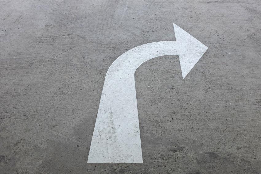https://cf.ltkcdn.net/cars/images/slide/213360-850x567-Making-a-turn.jpg