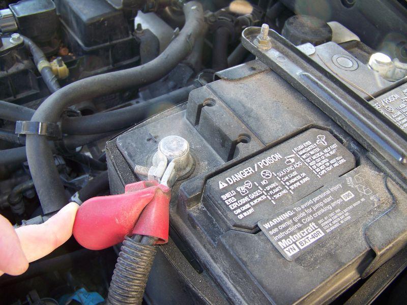 https://cf.ltkcdn.net/cars/images/slide/75099-800x600-battery.jpg