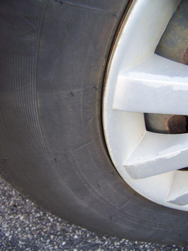 https://cf.ltkcdn.net/cars/images/slide/75104-600x800-tires.jpg