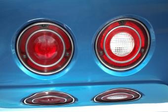 https://cf.ltkcdn.net/cars/images/slide/139138-850x565r1-roadtriptaillights.jpg
