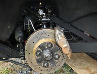 https://cf.ltkcdn.net/cars/images/slide/202343-750x573-Disk-Brakes.jpg