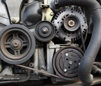 serpentine belt on an engine
