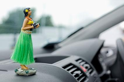 dashboard hula dancer