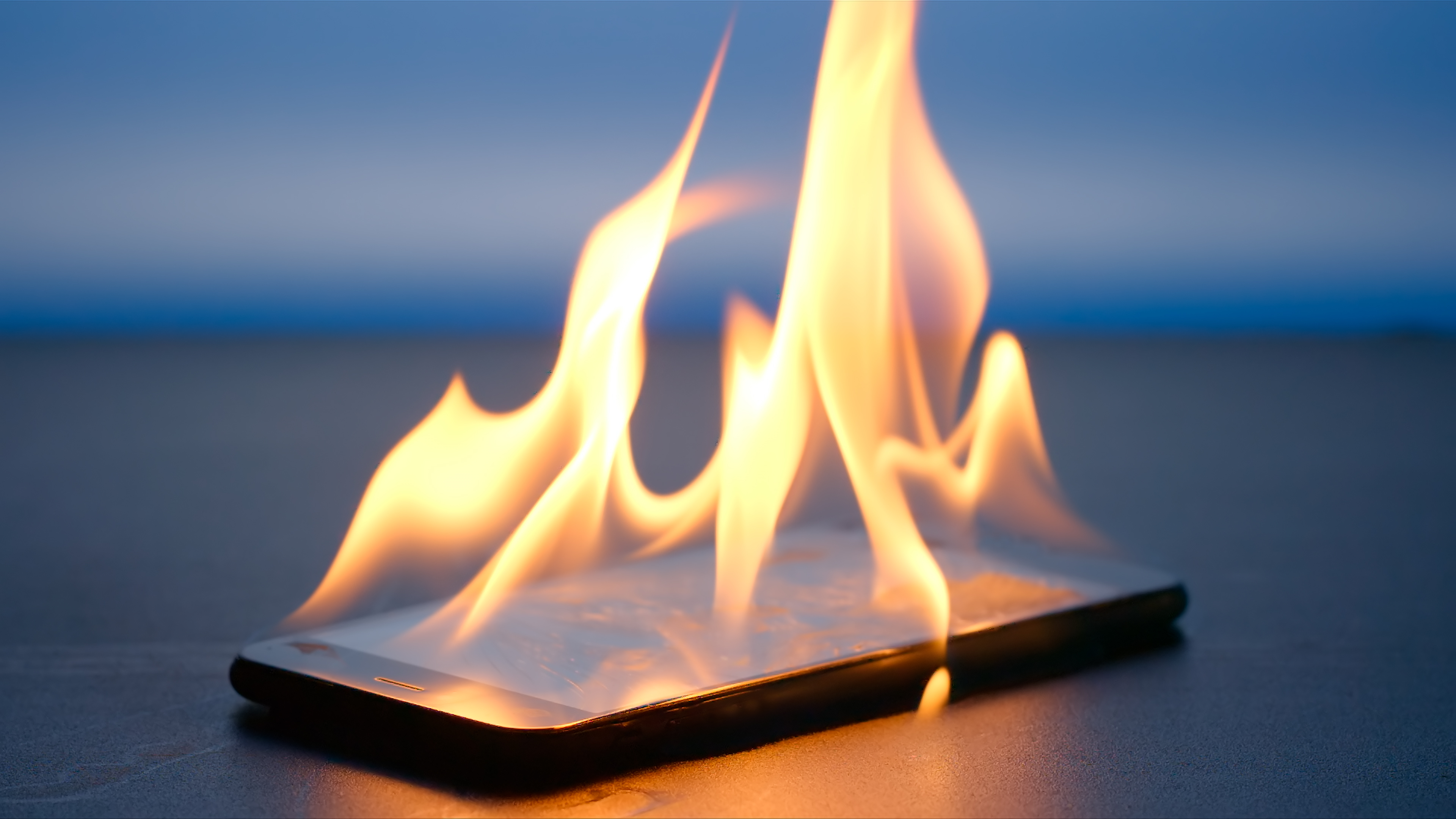 Why Does My Cell Phone Get Hot? | LoveToKnow