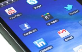 Removing Apps from the Motorola Android