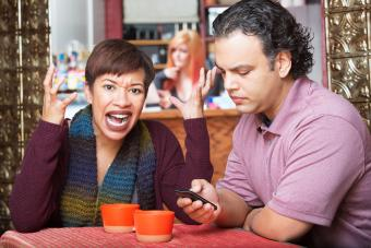 What Are the Disadvantages of Mobile Phones?