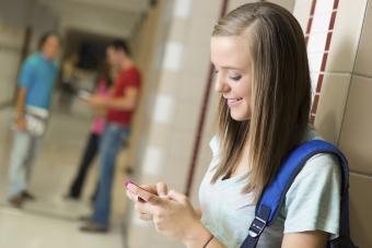 Pros of Cell Phones in School