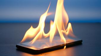 Why Does My Cell Phone Get Hot?