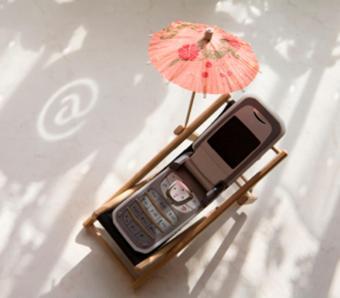 https://cf.ltkcdn.net/cellphones/images/slide/253717-850x744-8-funny-cell-phone-pictures.jpg
