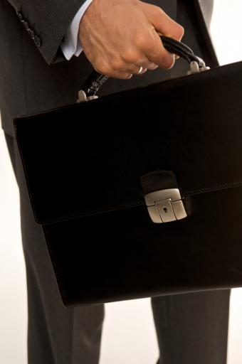 https://cf.ltkcdn.net/cellphones/images/slide/38535-332x500-Briefcase.jpg