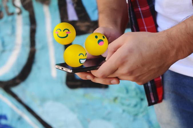 Sending emoji's