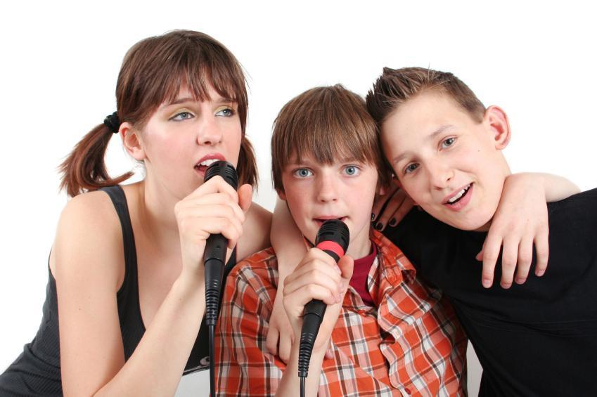 https://cf.ltkcdn.net/charity/images/slide/130188-849x565r1-Singers.jpg