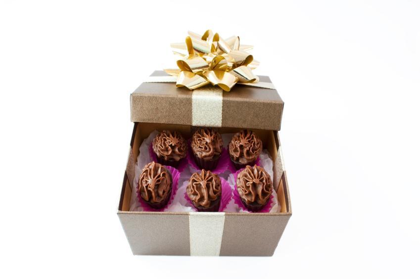 https://cf.ltkcdn.net/charity/images/slide/74893-849x565-Chocolates.jpg