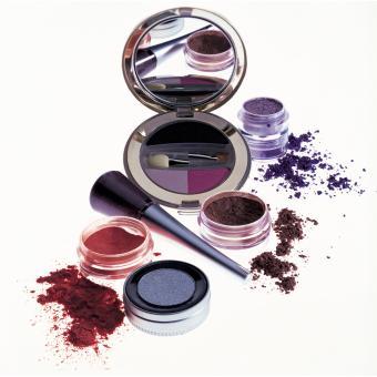 https://cf.ltkcdn.net/charity/images/slide/191135-850x850-makeup.jpg