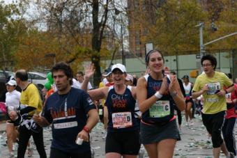 https://cf.ltkcdn.net/charity/images/slide/74877-768x512-ING_NYC_Marathon_658_%28768_x_512%29.jpg