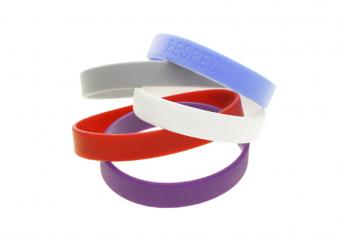 https://cf.ltkcdn.net/charity/images/slide/74891-828x580-Bracelet.jpg