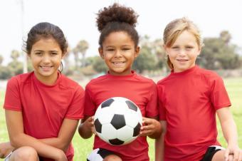 https://cf.ltkcdn.net/charity/images/slide/74904-849x565-kids_sports_team.JPG