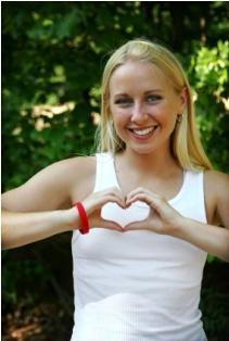 Girl with heart disease awareness bracelet