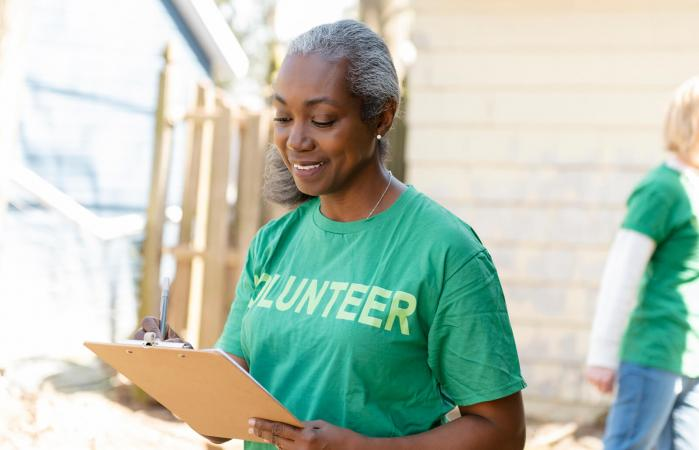 woman volunteer with clipboard