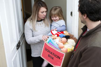 Support for families with toy donations to children