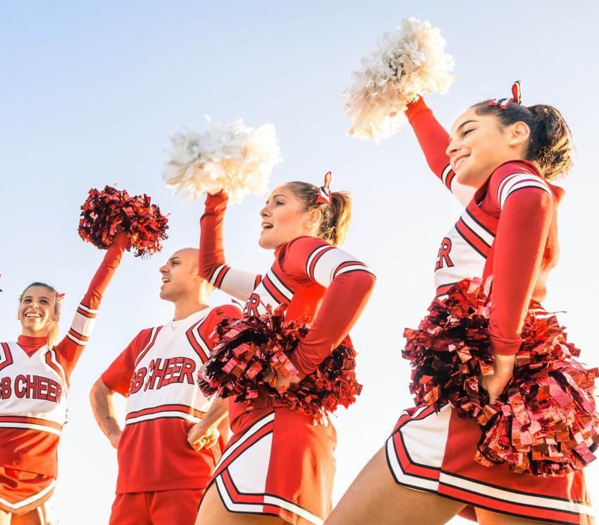 https://cf.ltkcdn.net/cheerleading/images/slide/252952-850x744-14-pictures-cheerleader-poses.jpg