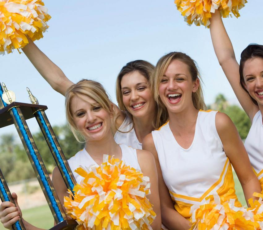 https://cf.ltkcdn.net/cheerleading/images/slide/252956-850x744-10-pictures-cheerleader-poses.jpg