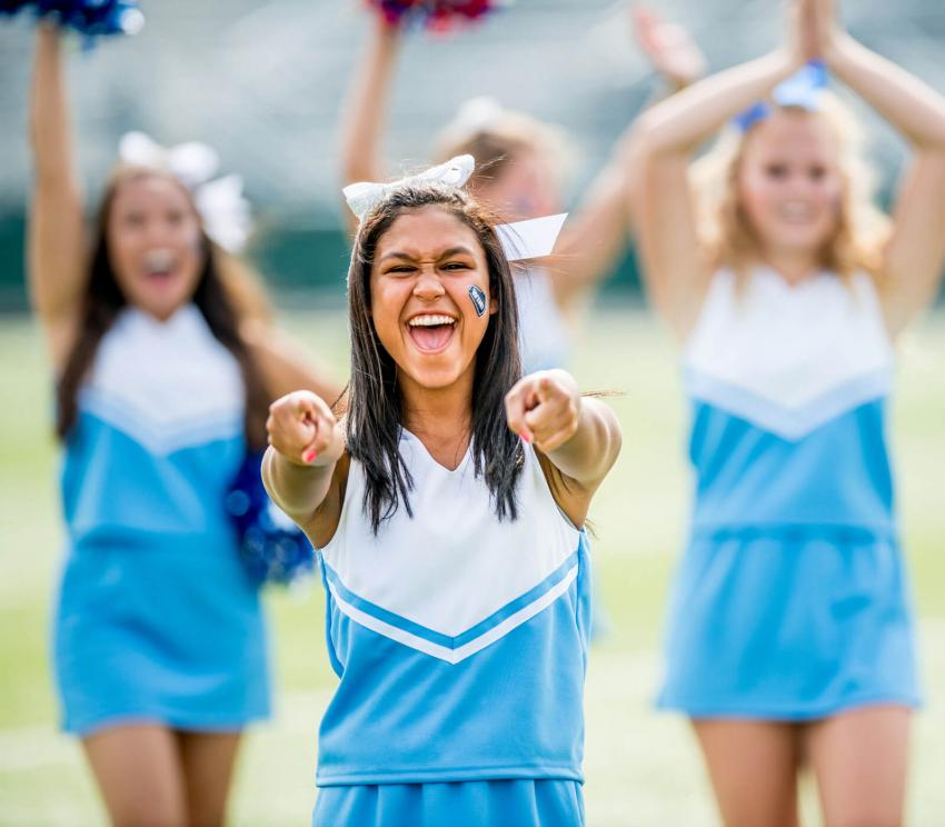 https://cf.ltkcdn.net/cheerleading/images/slide/252963-850x744-4-pictures-cheerleader-poses.jpg