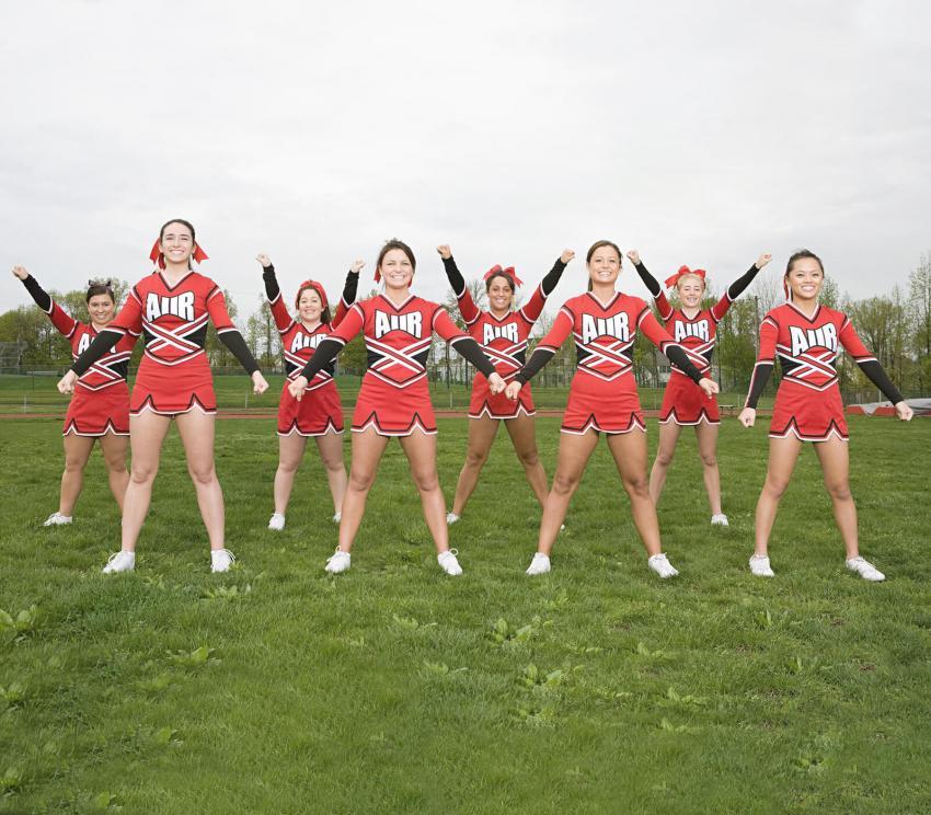 https://cf.ltkcdn.net/cheerleading/images/slide/253024-850x744-14-pictures-basic-cheer-motions.jpg