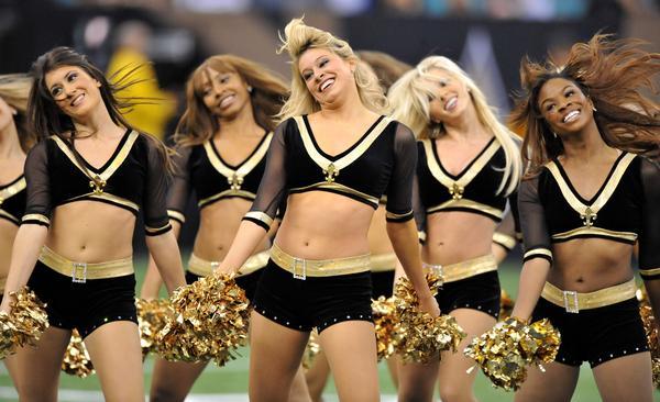 https://cf.ltkcdn.net/cheerleading/images/slide/51528-600x366-PRphotosNewOrleansSaintsSaintsations1.jpg