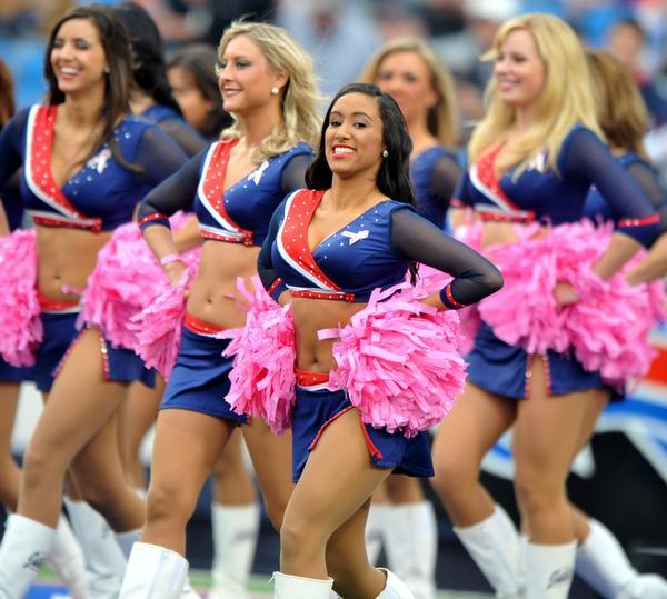 https://cf.ltkcdn.net/cheerleading/images/slide/51529-600x539-PRphotosBuffaloJills1.jpg