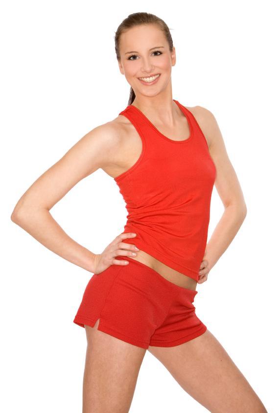 https://cf.ltkcdn.net/cheerleading/images/slide/51564-570x842-red-tank-and-shorts.jpg