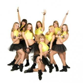 https://cf.ltkcdn.net/cheerleading/images/slide/143793-693x693r1-talent-show.jpg