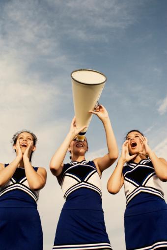 https://cf.ltkcdn.net/cheerleading/images/slide/150773-566x848-Motto-7.jpg