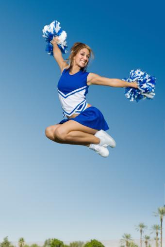 https://cf.ltkcdn.net/cheerleading/images/slide/174034-566x848-tuck.jpg