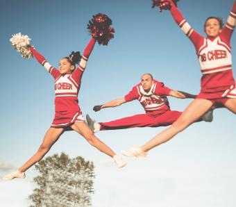 https://cf.ltkcdn.net/cheerleading/images/slide/252954-850x744-12-pictures-cheerleader-poses.jpg