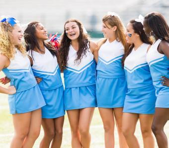 https://cf.ltkcdn.net/cheerleading/images/slide/252959-850x744-8-pictures-cheerleader-poses.jpg