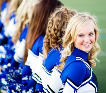 https://cf.ltkcdn.net/cheerleading/images/slide/252964-850x744-3-pictures-cheerleader-poses.jpg